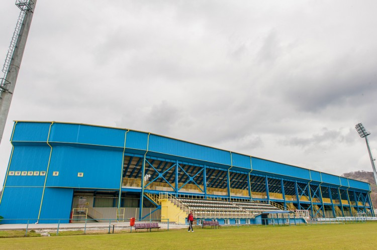 stadion-hale-60